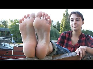 French public barefoot babe showing feet soles foot fetish