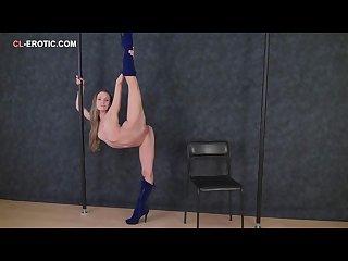 Flexible girl gimnastica ritmika margo in erotic stretch show 4