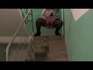 Bbw piss on the Stairs at the entrance hairy pussy