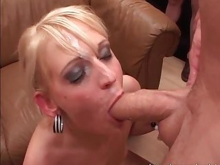Sexy german slut likes sperm in her mouth