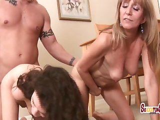 1 Pizza man 2 pussies monica sexxxton and jessica sexxxton eat in