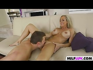 Peeking at stunning MILF Brandi Love