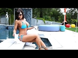 Puremature lisa ann wants to get fucked by the poolboy