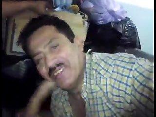 Mature guy sucking cock seor Maduro mamando verga
