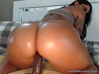 Big booty latina rides dildo on webcam