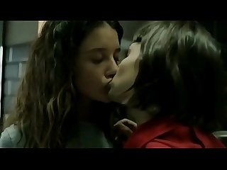 Lesbian Hot Kiss On Tv Show La Casa De Papel