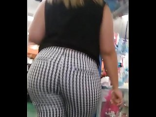 Candid Phat bbw booty in black white pattern pants