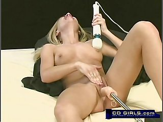 Cute young amateur cums when fucking the machine