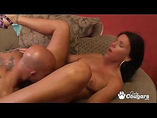 Horny Cougar Kendra Secrets Gives Porn A Try