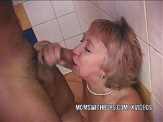 Shower sex with horny old slut