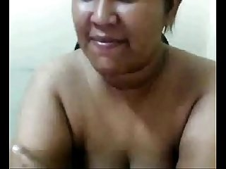 Chubby asian playing with pussy chat with her asiancamgirls mooo com