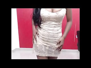 DEsi College girl doing hot dance to seduce her boy friend on cam