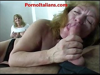 Group sex with mature sluts sesso di gruppo con mature troie