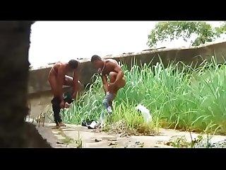 Nestor silveira E luis suares dando uma foda no Mato
