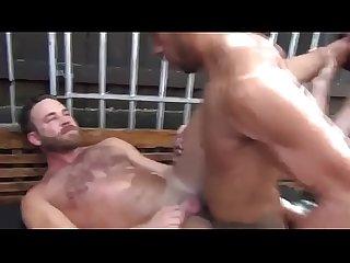 Passivo dando para varios machos
