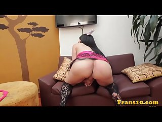 Bigbooty latina ts rubs her ass and jerks