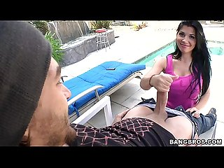 Returning favors with latina babe rebecca linares
