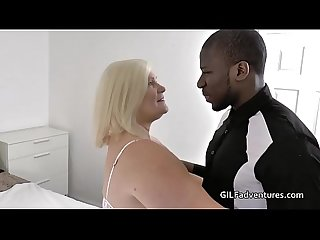Granny gets insemenated by younger black guy