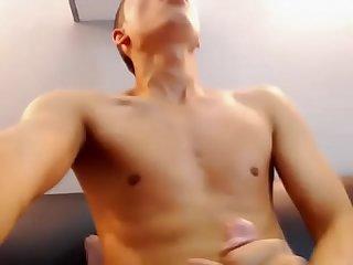 Novinho Gozando na cam masturbatemais blogspot com